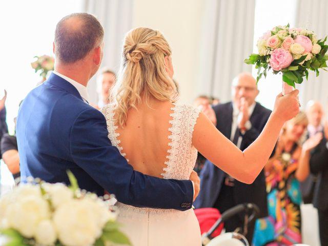 Le mariage de Bastien et Sophie à Marseille, Bouches-du-Rhône 27