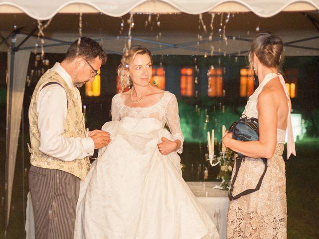 Le mariage de Gilles et Lindsay à Puycelci, Tarn 56