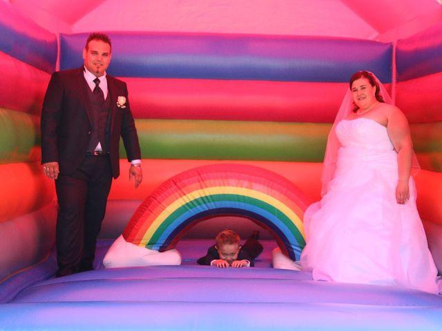 Le mariage de Mickaël et Floriane à Riorges, Loire 9