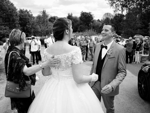 Le mariage de Thibaut et Claire à Beaumotte-lès-Pin, Haute-Saône 35