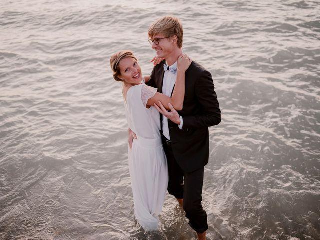 Le mariage de Valentin et Caroline à Bonsecours, Seine-Maritime 1