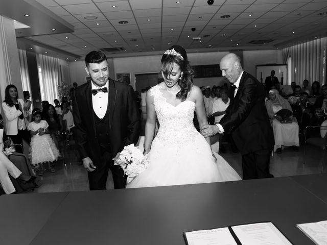 Le mariage de Fessel et Imane à Cuers, Var 9