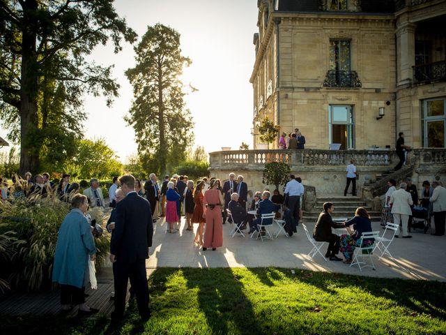 Le mariage de Louis et Solène à Bordeaux, Gironde 44