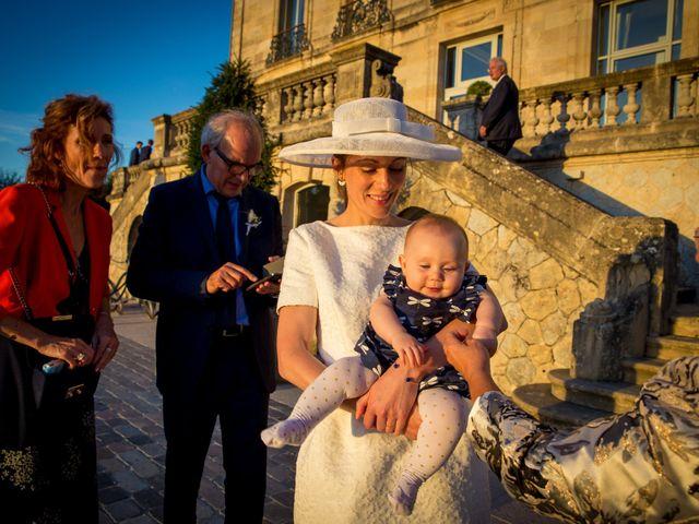 Le mariage de Louis et Solène à Bordeaux, Gironde 56