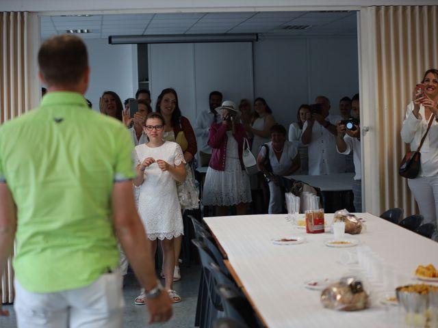 Le mariage de Sebastian et Laetitia à Tiffauges, Vendée 10
