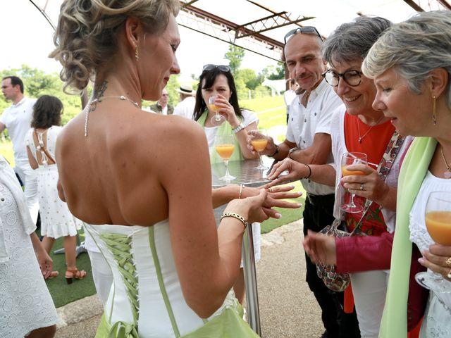 Le mariage de Sebastian et Laetitia à Tiffauges, Vendée 56