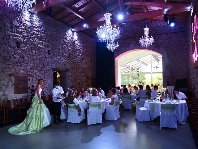 Le mariage de Sebastian et Laetitia à Tiffauges, Vendée 57