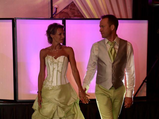 Le mariage de Sebastian et Laetitia à Tiffauges, Vendée 74
