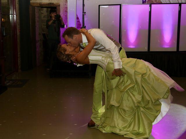 Le mariage de Sebastian et Laetitia à Tiffauges, Vendée 77
