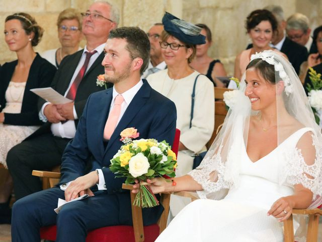 Le mariage de Rémi et Marie-Charlotte à Saint-Porchaire, Charente Maritime 33