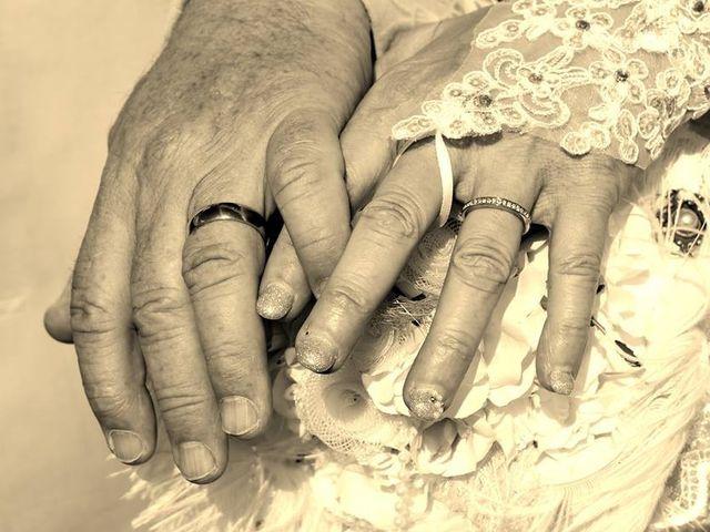 Le mariage de René et Nathalie à Boisney, Eure 1
