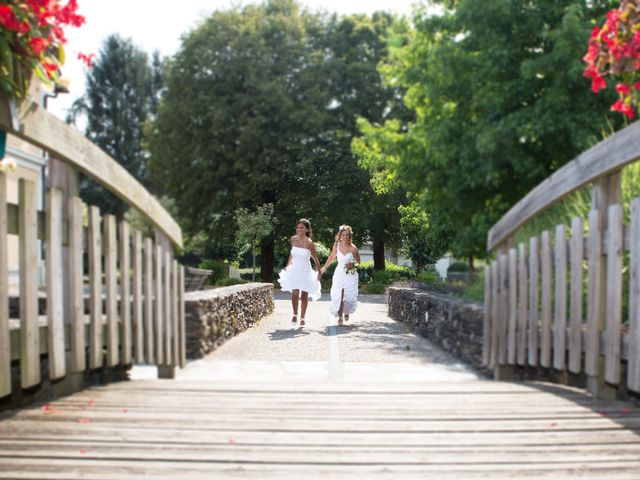 Le mariage de Laura et Jessica à Argentat, Corrèze 15