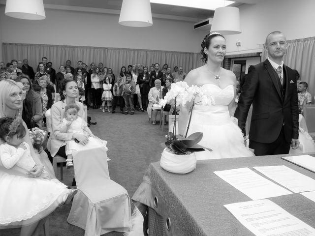 Le mariage de julien et virginie à Marcq-en-Baroeul, Nord 25