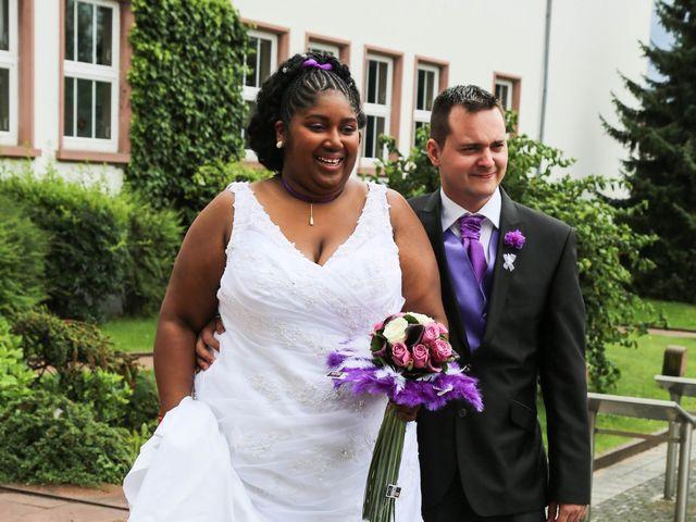 Le mariage de Emmanuel et Jessica à Oberhoffen-sur-Moder, Bas Rhin 9