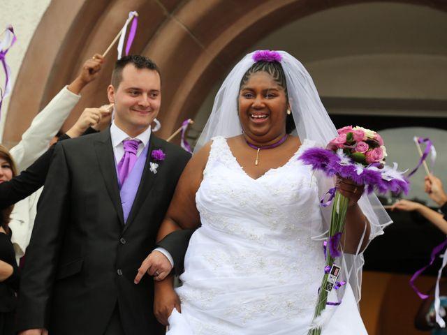 Le mariage de Emmanuel et Jessica à Oberhoffen-sur-Moder, Bas Rhin 23