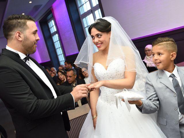 Le mariage de Walid et Baya à Paris, Paris 10