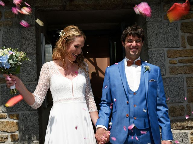 Le mariage de Nicolas et Léna à Saint-Donan, Côtes d'Armor 16