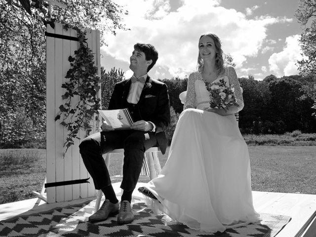 Le mariage de Nicolas et Léna à Saint-Donan, Côtes d'Armor 18