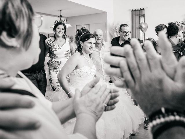 Le mariage de Nicolas et Carla à Lespignan, Hérault 1
