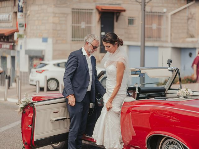 Le mariage de Julien et Tiphaine à Chambles, Loire 22