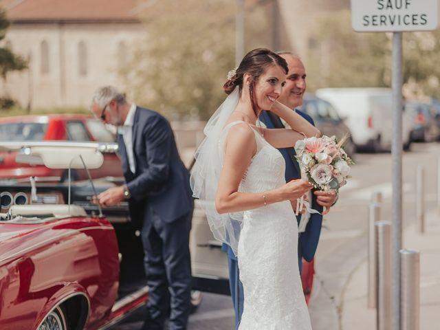 Le mariage de Julien et Tiphaine à Chambles, Loire 23