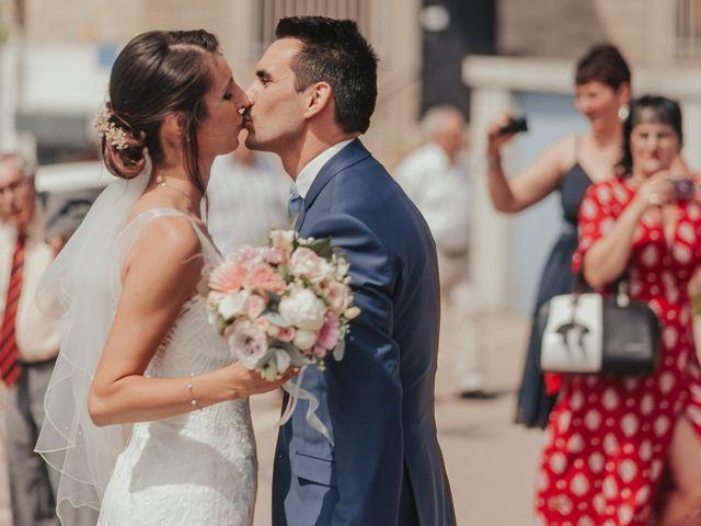 Le mariage de Julien et Tiphaine à Chambles, Loire 24