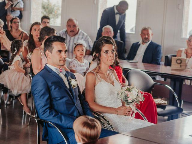 Le mariage de Julien et Tiphaine à Chambles, Loire 28