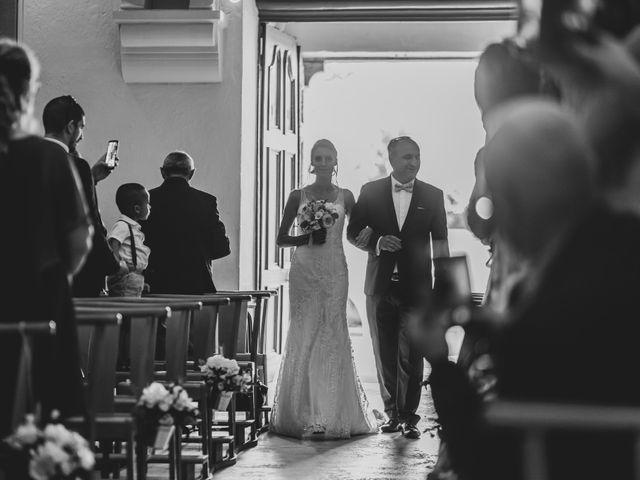 Le mariage de Julien et Tiphaine à Chambles, Loire 34