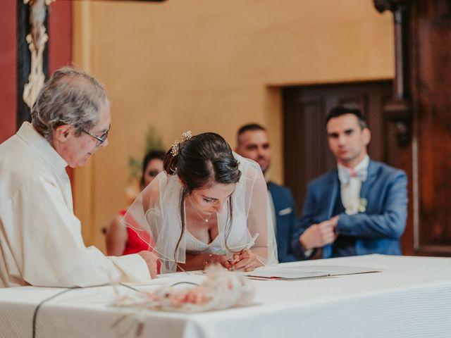 Le mariage de Julien et Tiphaine à Chambles, Loire 49