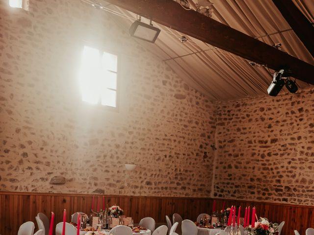 Le mariage de Julien et Tiphaine à Chambles, Loire 67