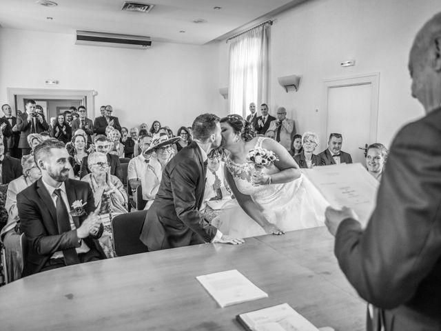 Le mariage de Aurélien et Alizée à Chaponnay, Rhône 32