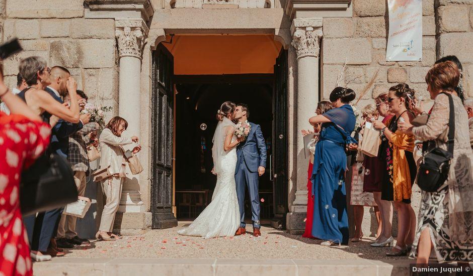 Le mariage de Julien et Tiphaine à Chambles, Loire