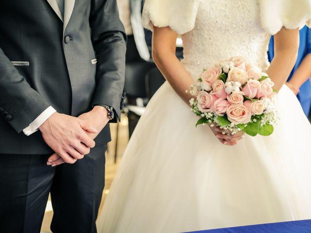 Le mariage de Adrien et Camille à Voisins-le-Bretonneux, Yvelines 24
