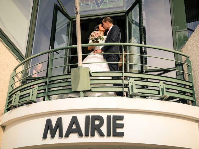 Le mariage de Adrien et Camille à Voisins-le-Bretonneux, Yvelines 29