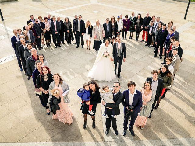 Le mariage de Adrien et Camille à Voisins-le-Bretonneux, Yvelines 31