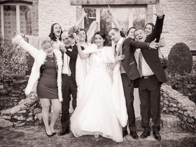 Le mariage de Adrien et Camille à Voisins-le-Bretonneux, Yvelines 56