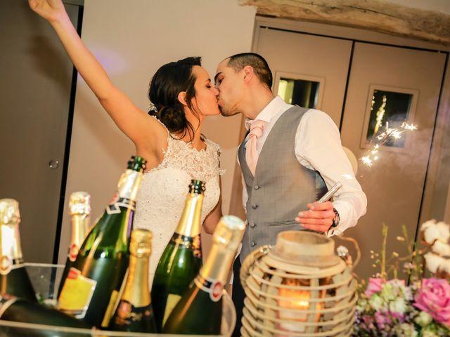 Le mariage de Adrien et Camille à Voisins-le-Bretonneux, Yvelines 91