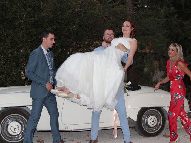 Le mariage de Emmy et Camille à Lirac, Gard 5