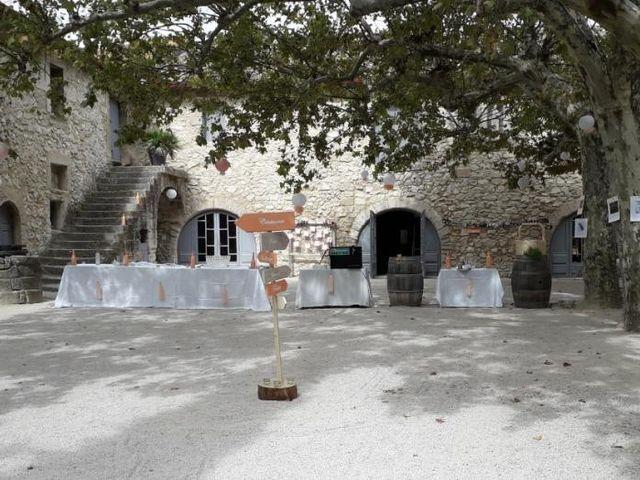 Le mariage de Emmy et Camille à Lirac, Gard 10
