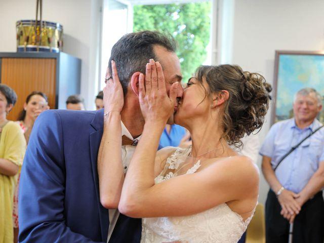 Le mariage de Cyril et Marine à Fontaines-d'Ozillac, Charente Maritime 13