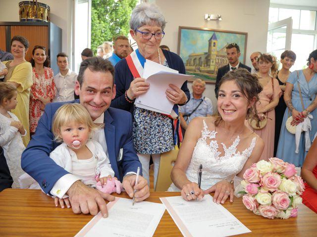 Le mariage de Cyril et Marine à Fontaines-d'Ozillac, Charente Maritime 15