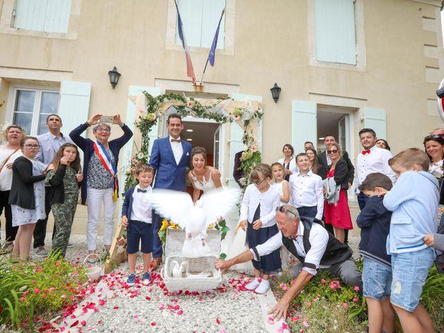 Le mariage de Cyril et Marine à Fontaines-d'Ozillac, Charente Maritime 17