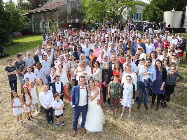 Le mariage de Cyril et Marine à Fontaines-d'Ozillac, Charente Maritime 19