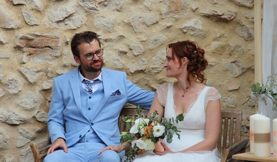 Le mariage de Emmy et Camille à Lirac, Gard