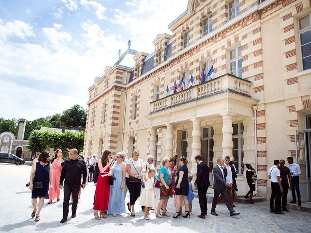 Le mariage de Adrien et Sabrina à Savigny-le-Temple, Seine-et-Marne 10
