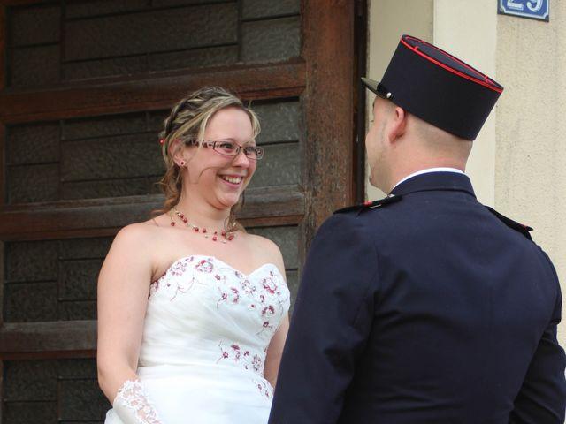 Le mariage de Damien et Cécilia à Stenay, Meuse 13