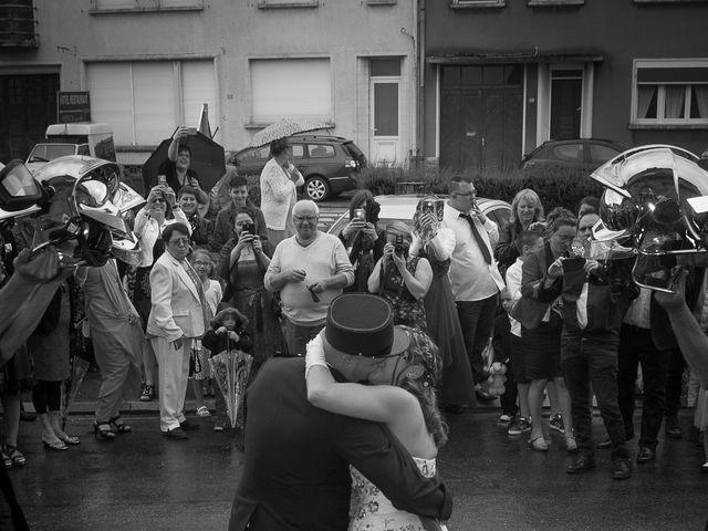 Le mariage de Damien et Cécilia à Stenay, Meuse 29