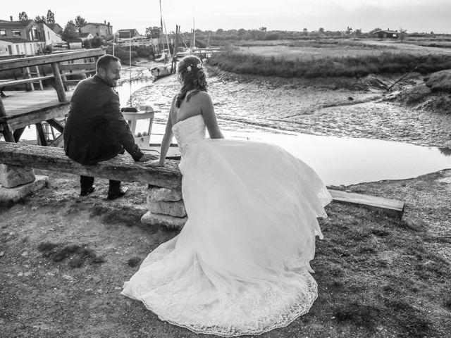 Le mariage de Vivien et Madeline à Geay, Charente Maritime 23