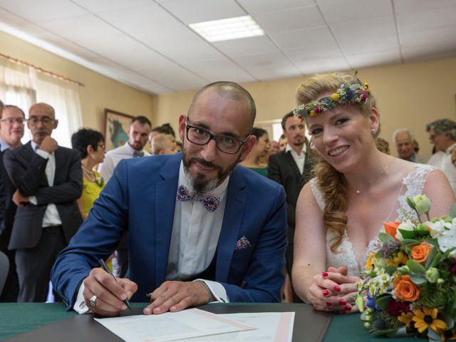 Le mariage de Alexandre et Elodie à Berneuil, Charente Maritime 7