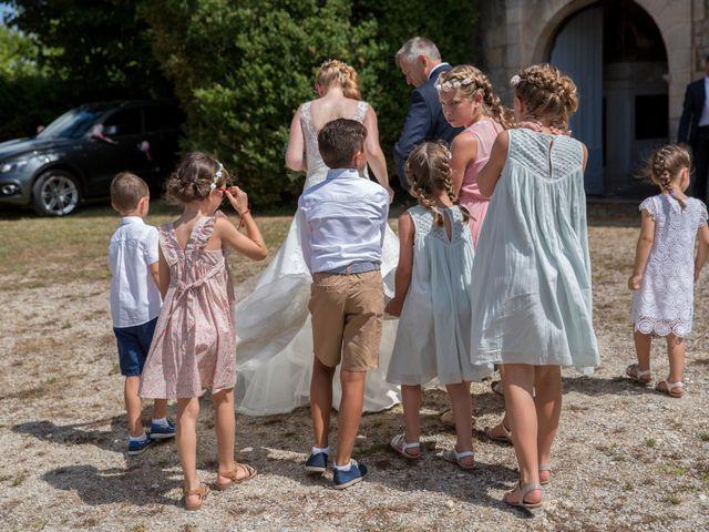 Le mariage de Alexandre et Elodie à Berneuil, Charente Maritime 11